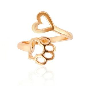 ❤️5/$25 Gold tone paw heart ring. Adjustable.